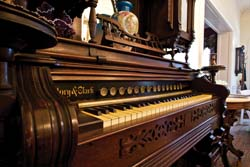 Story and Clark Organ